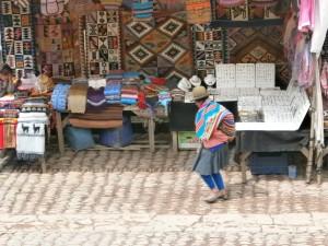 Marktjes bij Pisac tijdens Heilige Vallei Tour